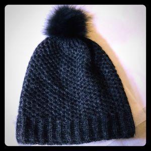 Accessories - Inverni hat with fur NWOT